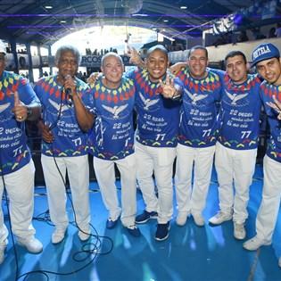 Parceria de Samir Trindade vence disputa de samba na Portela
