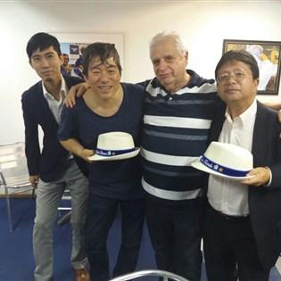 Cônsul-geral adjunto do Japão no Rio visita quadra da Portela