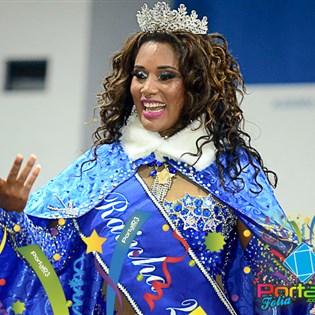Passista da Portela é eleita Rainha do Carnaval de Taubaté