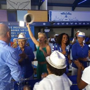 Quadra da Portela recebe gravação do programa 'Estrelas do Brasil', com Angélica