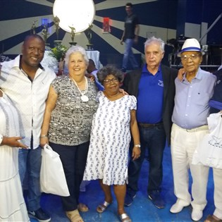 Missa e homenagem aos fundadores do Candongueiro marcam aniversário de 95 anos da Portela