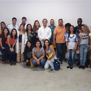 Médicos da UFRJ promovem palestra na Portela, neste sábado